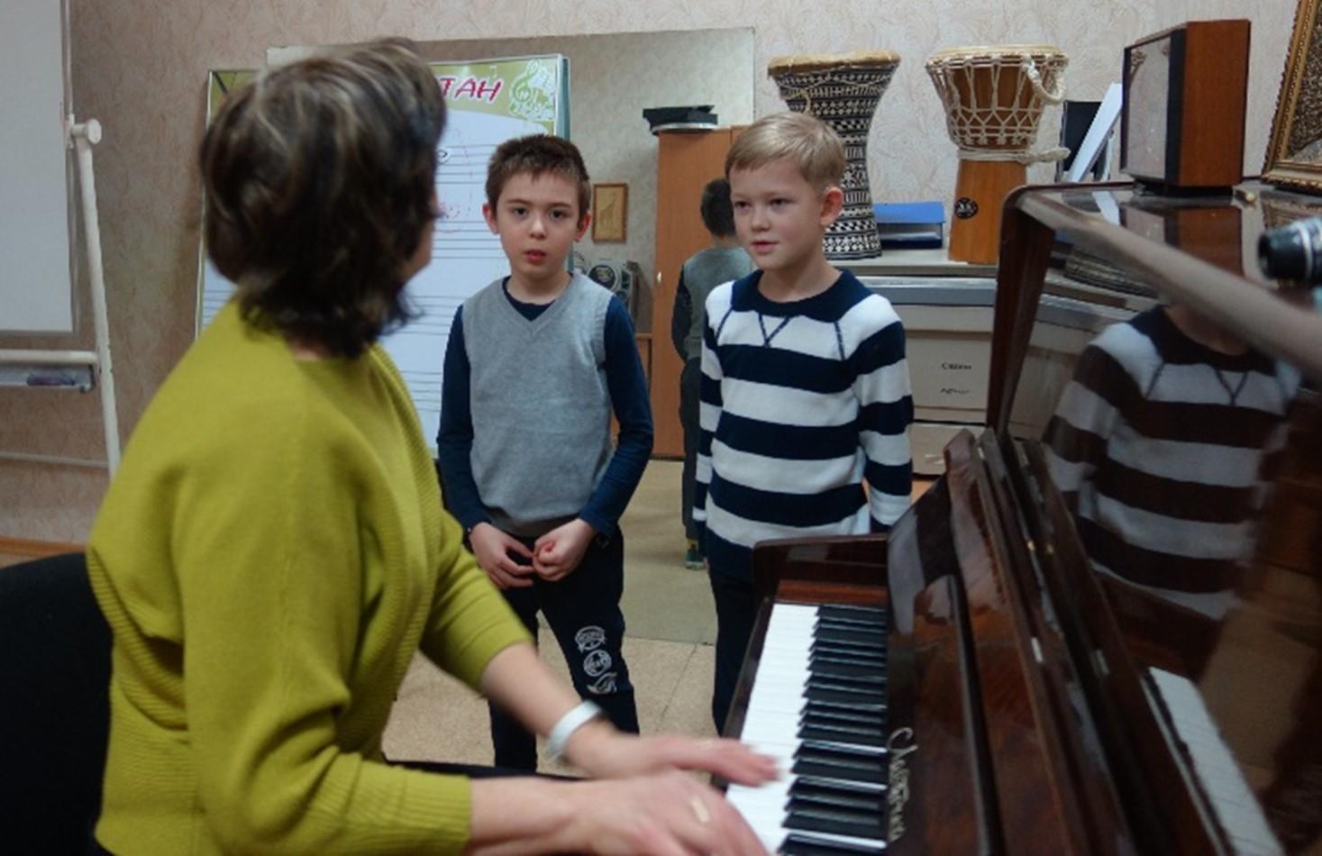 """Музыкальные занятия в студии """"Талант"""""""